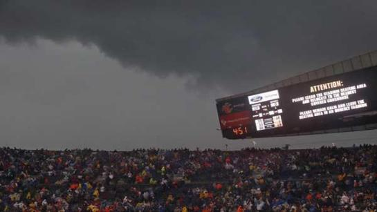 Servere storms forced Soldier Field to evacuate fans during Sunday's Chicago Bears game. Photo from nydailynews.com